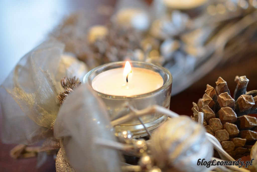 wieniec adwentowy pierwsza świeczka