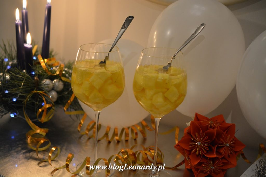 ananas-w-szampanie