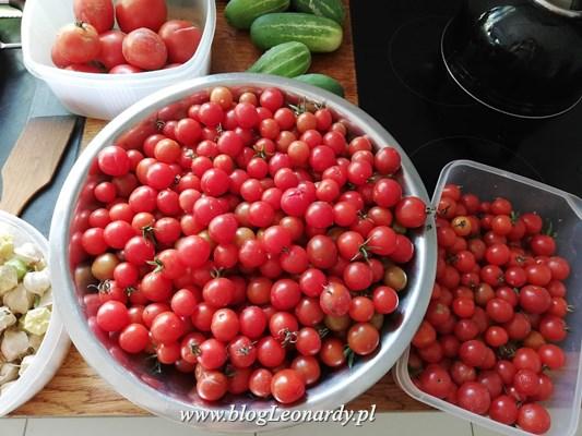 Co z pomidorków koktajlowych? Passata